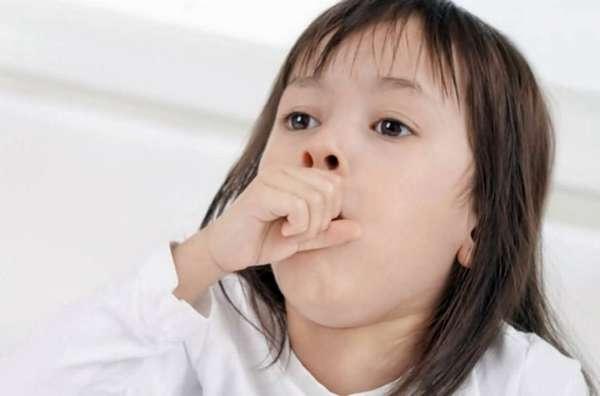 Важно понимать, что если ребенку действительно плохо, у него температура, то нужно идти в больницу, а не пробовать лечиться дома.