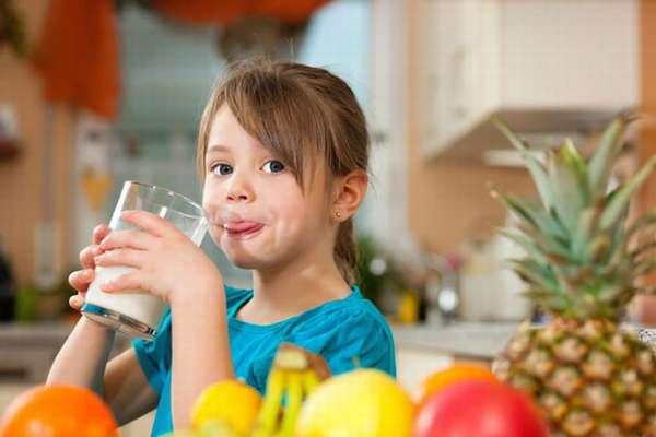 Питание по режиму с преобладанием овощей, фруктов, полезных продуктов, сбалансированный состав белков углеводов, жиров, клетчатки, мясопродуктов, рыбы, морепродуктов