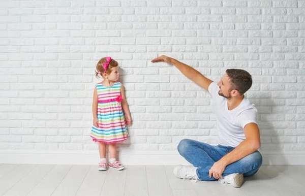 Таблица роста и веса детей до 1 года содержит, конечно, приблизительные значения, ведь если родители очень низкие, то и у ребенка рост не может быть большим.