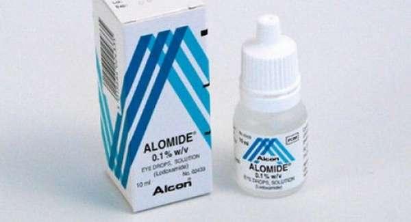 При аллергической реакции на глазах можно закапывать Аломид.