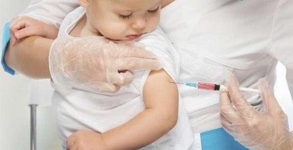 В календарь прививок для детей до года входит больше всего вакцинаций.