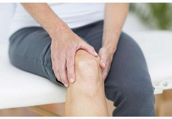 Болят суставы колена
