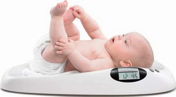 Как проходит развитие ребенка в 10 месяцев