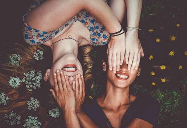 жизнерадостные девушки