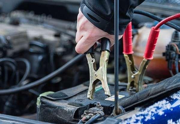 заряжать аккумулятор авто