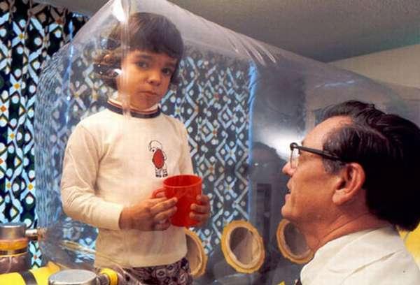 Если же у ребёнка диагностируется тяжелый комбинированный иммунодефицит, то жизнь его в опасности.