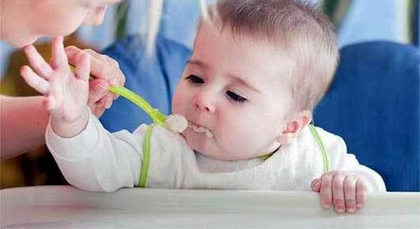 Питание ребенка в 9 месяцев должно быть максимально сбалансированным и полезным.