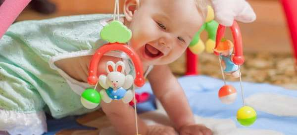 узнайте из нашей статьи как правильно развивать ребенка в 7 месяцев