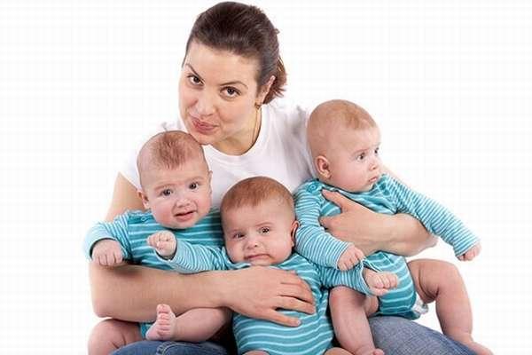От чего у женщины появляется многоплодная беременность
