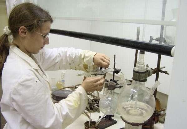 опыты в лаборатории