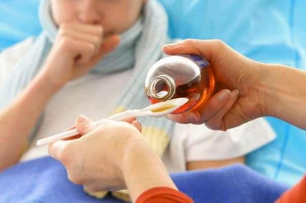 Врач назначит также муколитические препараты.