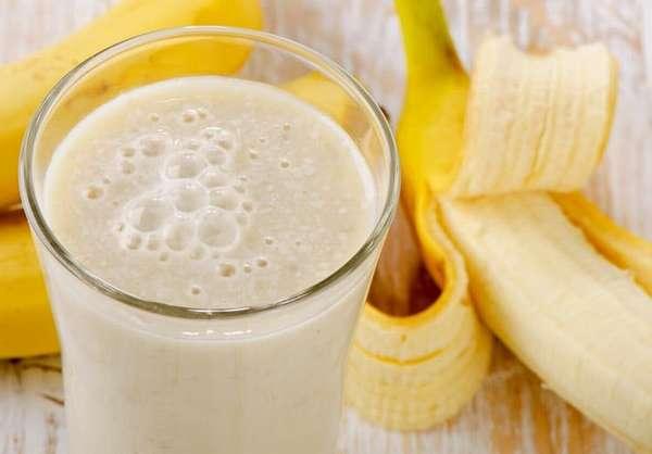 Можно использовать банан и для приготовления полезного и питательного коктейля.