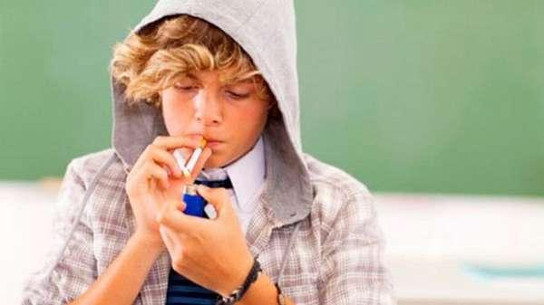 Одна из причин, почему у ребенка низкий гемоглобин. это вредные привычки (если речь идет о подростках, конечно).