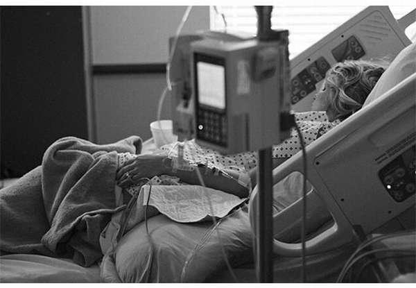 женщина в палате с запущенным атеросклерозом