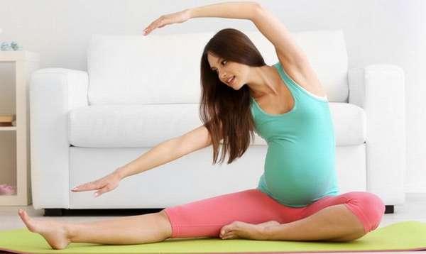 Йога во время беременности помогает улучшить и физическое, и эмоциональное и психическое состояние.