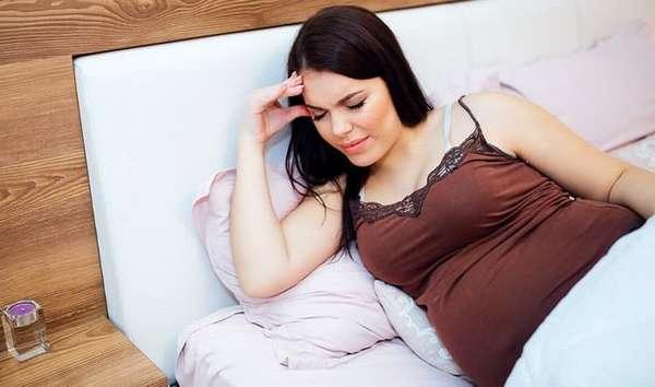 Если вы при беременности ощущаете общую слабость, несколько фиников поможет с ней справиться.
