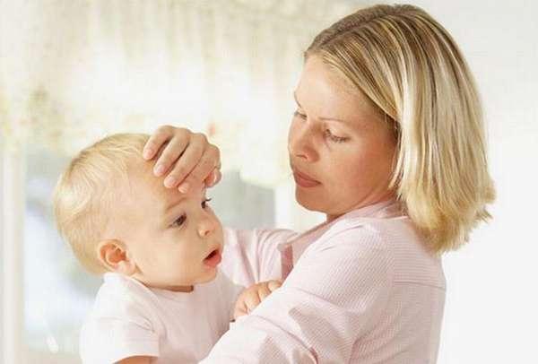 Иногда после этой прививки у детей может подняться температура.