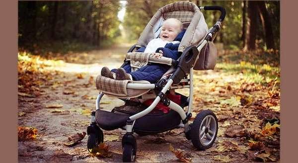 что необходимо знать о первых прогулках с новорожденным весной и осенью