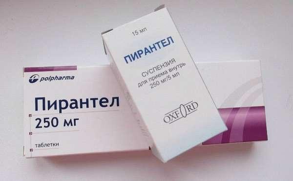 Если понос вызван глистами, ребенку назначат противогельминтные препараты..