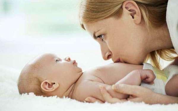 Почему у ребёнка болит живот