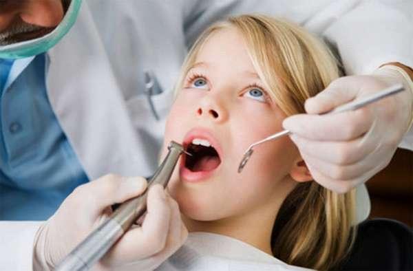когда выпадают молочные зубы у детей схема