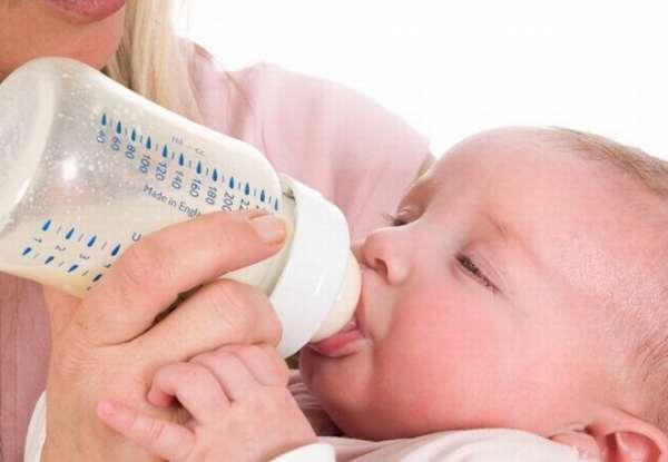 кормить ребенка детской смесью