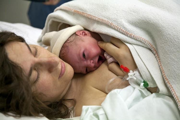 Важно также подготовить к родам, чтобы в процессе не возникало лишних проблем, которые могли бы навредить малышу.