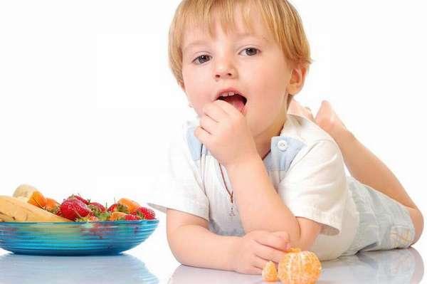 В целях профилактики очень важно обеспечивать ребенку полноценное питание, чтобы его организм получал все необходимые витамины и микроэлементы.