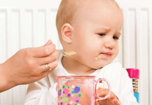 давать прикорм ребенку
