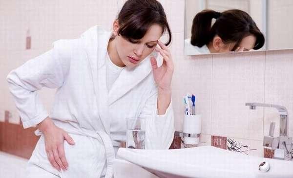 Появление тошноты и рвоты при кисте яичника в момент беременности