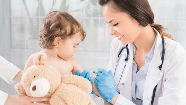 Лучшие специалисты страны высказывают свое мнение за и против прививок