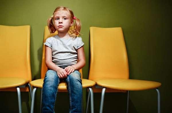 не забывайте, что после прививки важно минут 30 подождать в больнице или возле нее на случай проявления аллергической реакции у ребенка.