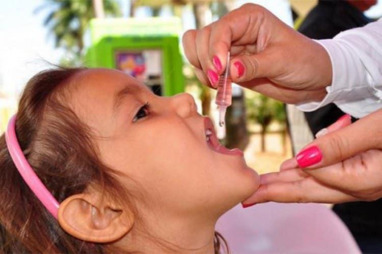 Обычно ревакцинация проводится в 14 лет.