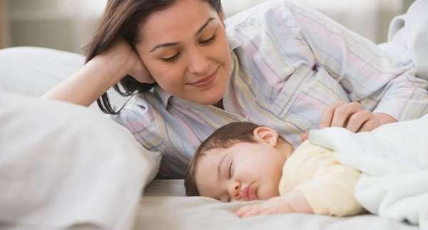 Узнайте как следует укладывать ребенка спать в 4 месяца