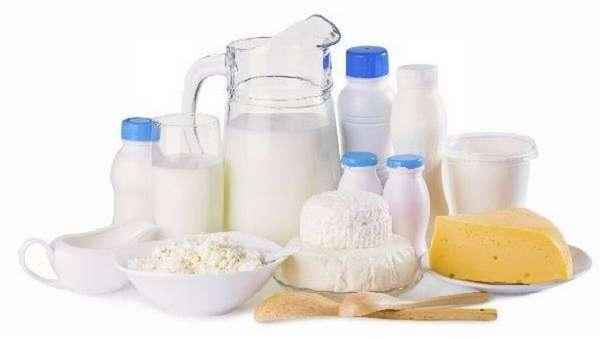 Одно из первых, что можно кушать после кесарева сечения кормящей маме, это кисломолочные продукты.