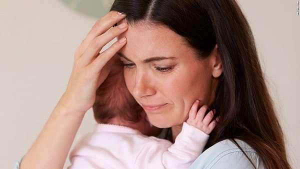 Чаще всего принимают Парацетамол при грудном вскармливании от головной боли.